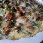 Tarta z kurczakiem brokułami i pieczarkami