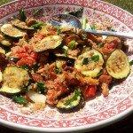 Sałatka z quinoa i grillowanymi warzywami