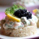 Skagenröra szwedzka salatka z krewetek