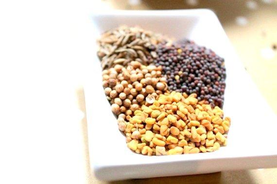 Kuchnia Indyjskaprzyprawy Orientalne Curry Jalfreziostro