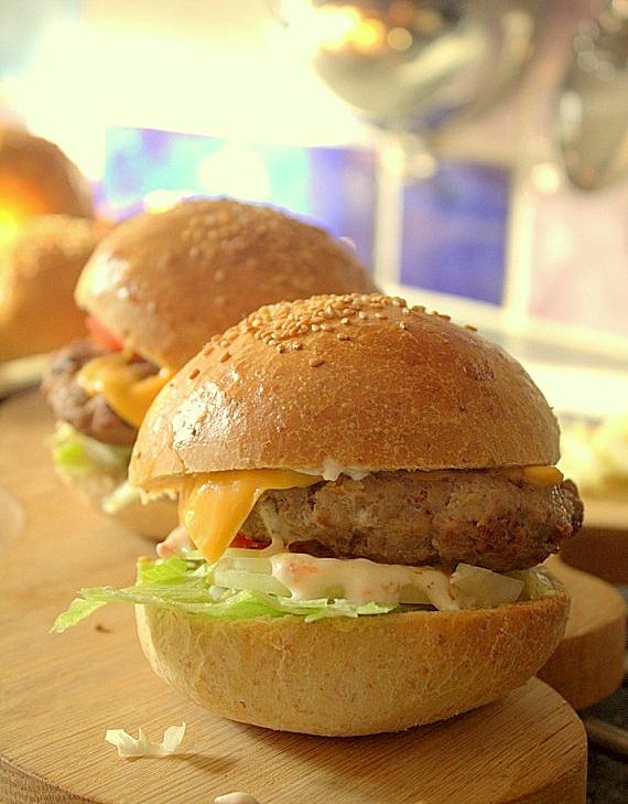 domowe hamburgery z chili