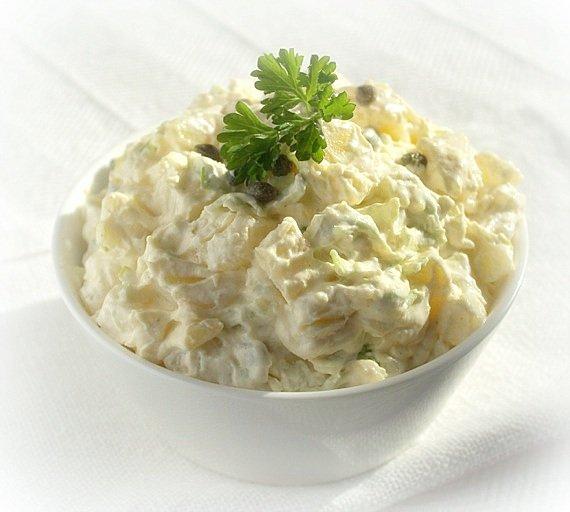 szwedzka salatka ziemniaczana
