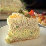 Tort kanapkowy z tuńczykiem