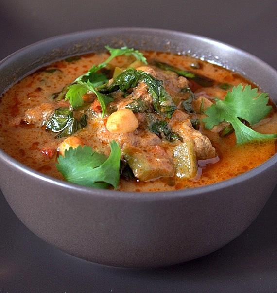curry wołowe z ciecierzycą