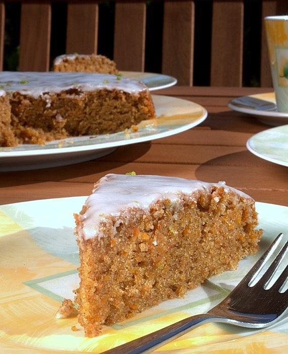 przepis na ucierane ciasto marchewkowe