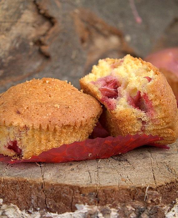 pyszne muffinki z truskawkami