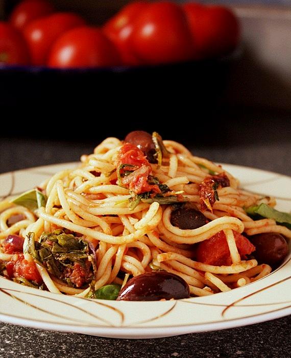 przepis na spaghetti puttanesca