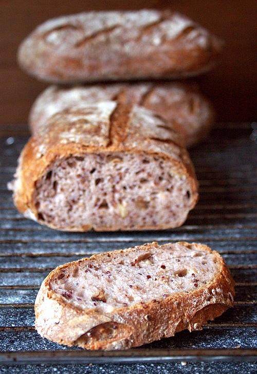 chleb upieczony na biga