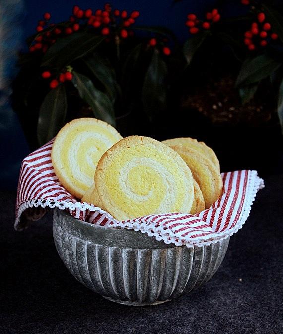kruche ciasteczka szafranowe