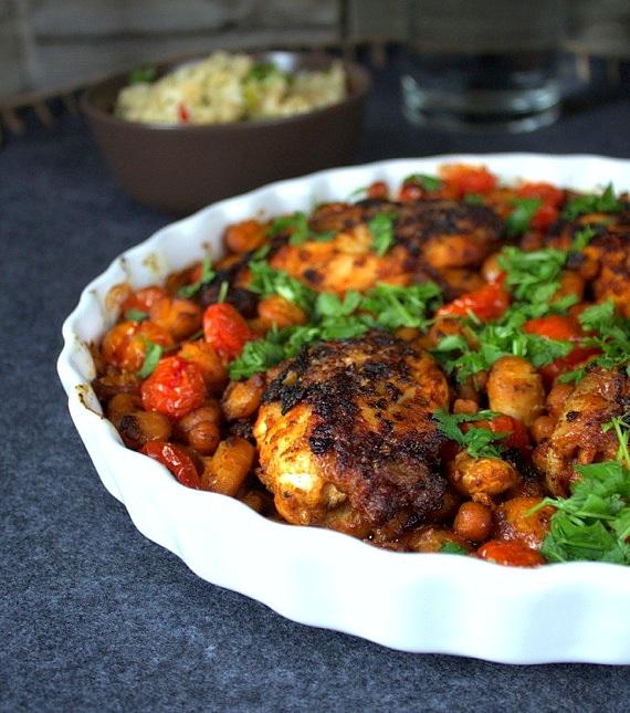 zapiekanka z kurczaka, fasoli i pomidorów