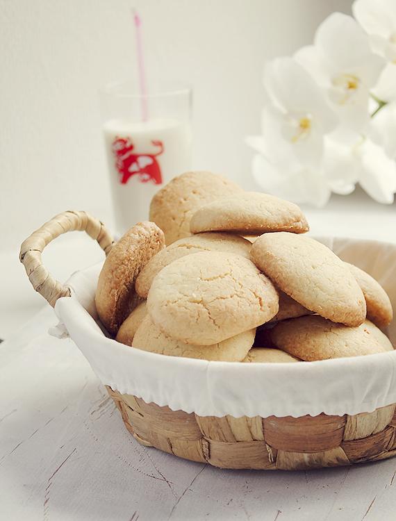 ciasteczka z kokosowym nadzieniem