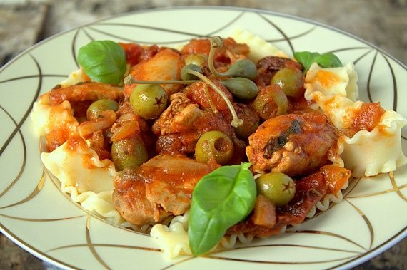 makaron z sosem zpomidorowym