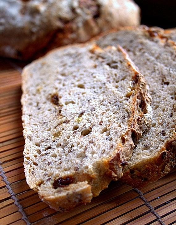 chleb levain z siemieniem lnianym