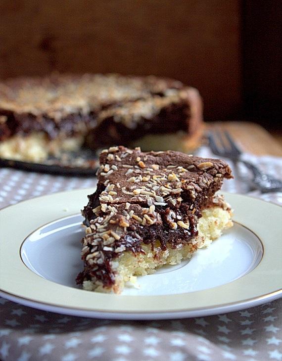 ciasto czekoladowe na kokosowym spodzie