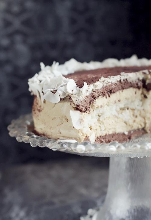 Wielkanocny tort cappuccino