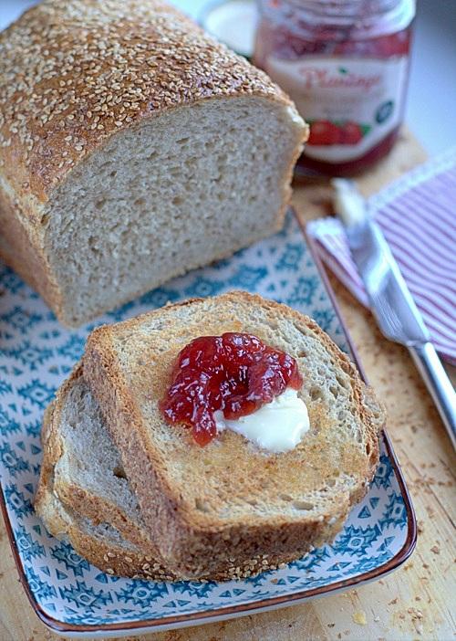 chlebek tostowy z sezamem