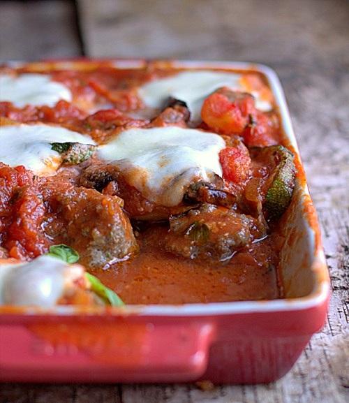 frykadelki zapiekane w sosie pomidorowym