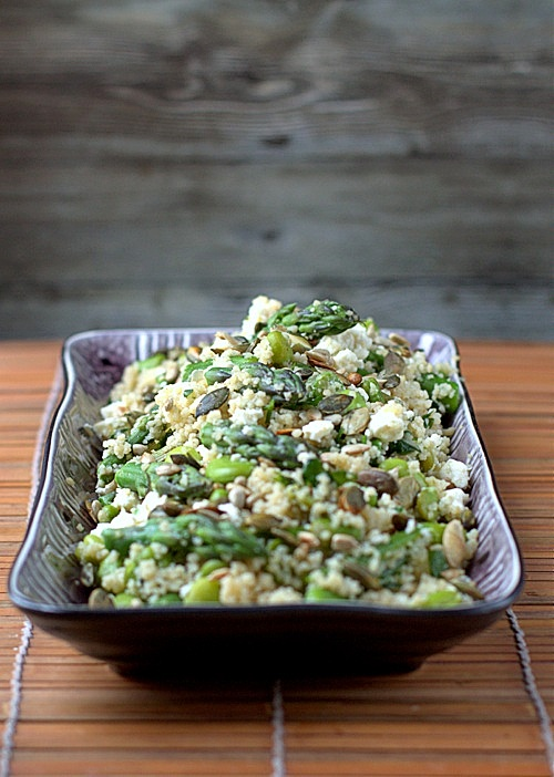 przepis lekka sałatka ze szparagów i couscous