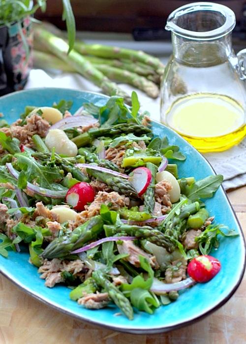 sałatka z tuńczyka fasoli i szparagów