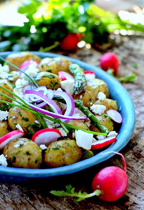 sałatka ziemniaczana ze szparagami i feta