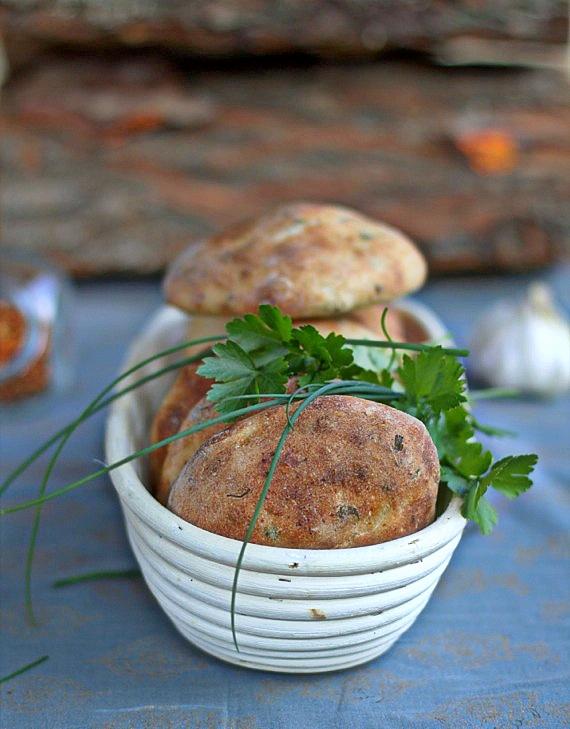 pikantne chlebki do grilla