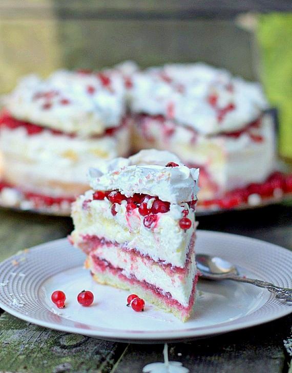 tort porzeczkowy z bezą