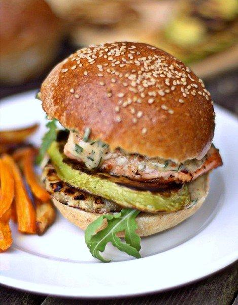 przepis na burgery z łososia grillowanego