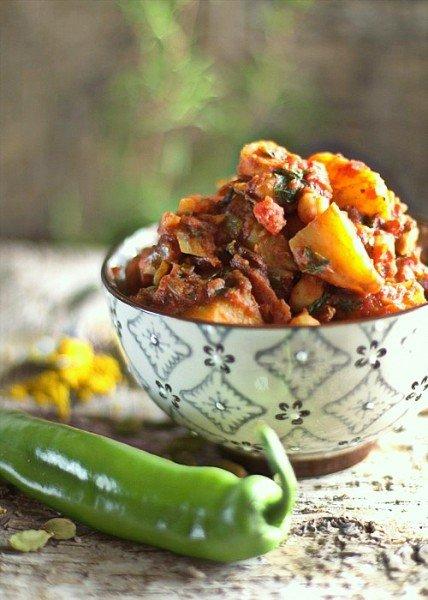 wegetariańskie curry z ziemniaków