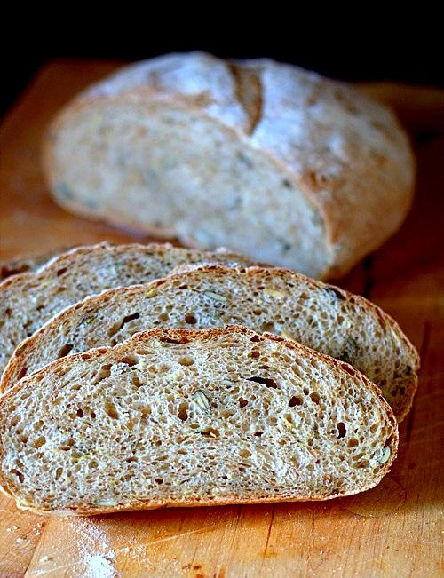 chleb na drożdżach z cukinią