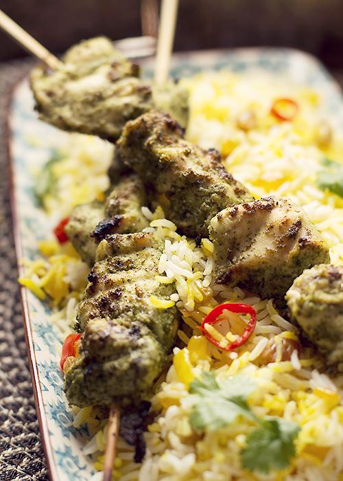 grillowany kurczak i szafranowy ry