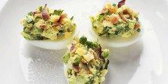 wielkanocne jajka faszerowane