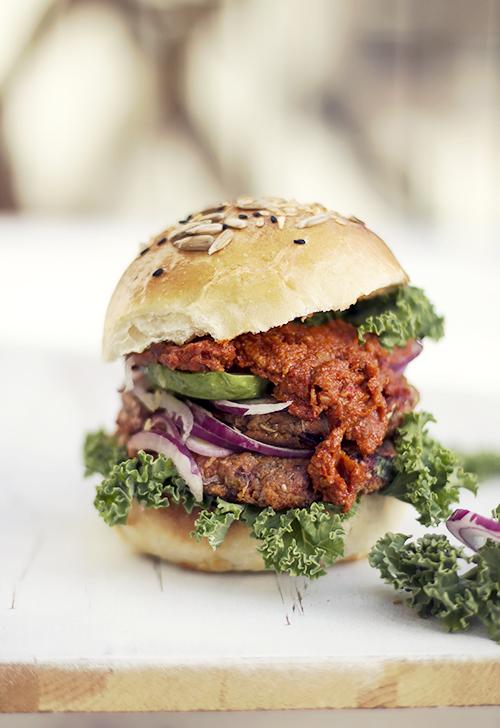 burger z batatów i buraczków