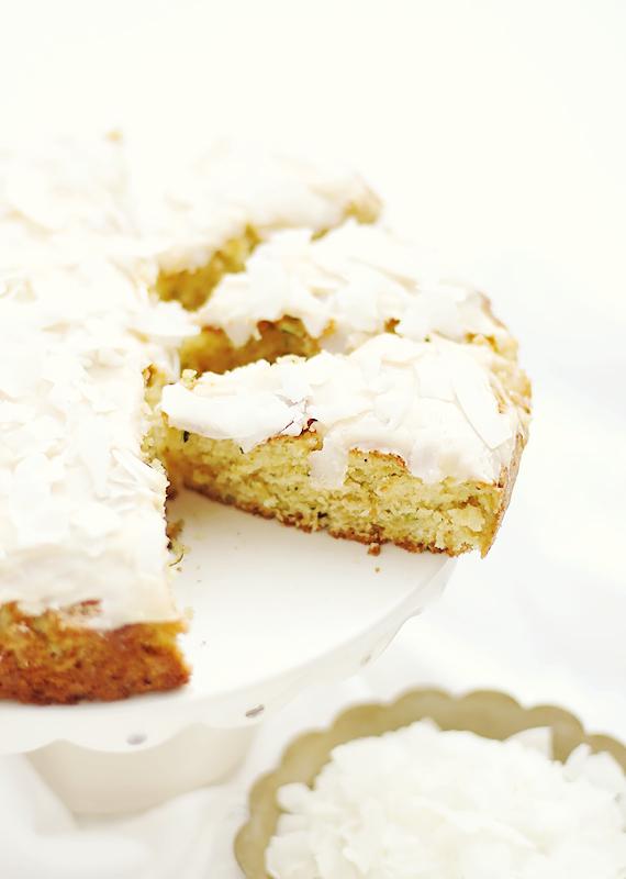 przepis na ciasto z cukinią