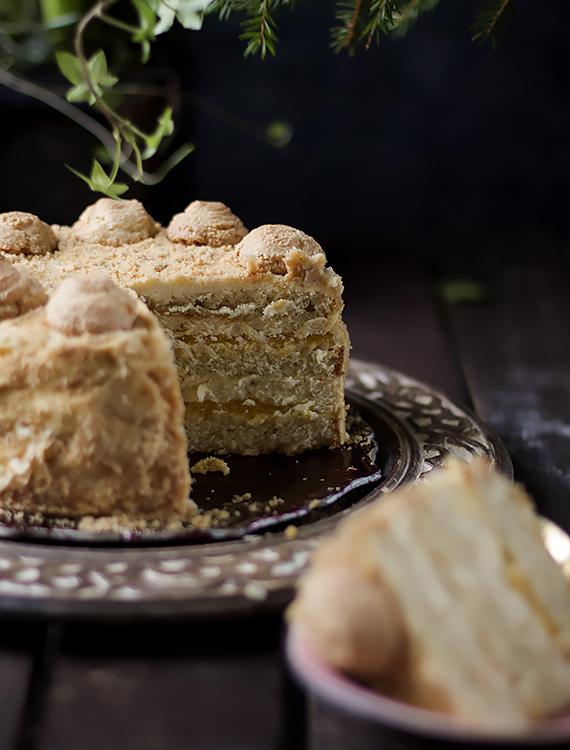 przepis tort migdałowy amaretti
