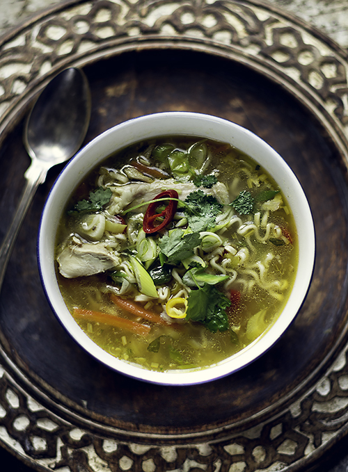 zupa z kurczaka i noodle