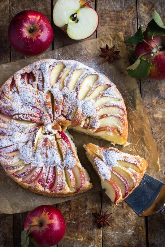 ciasto-biszkoptowe-z-jablkami