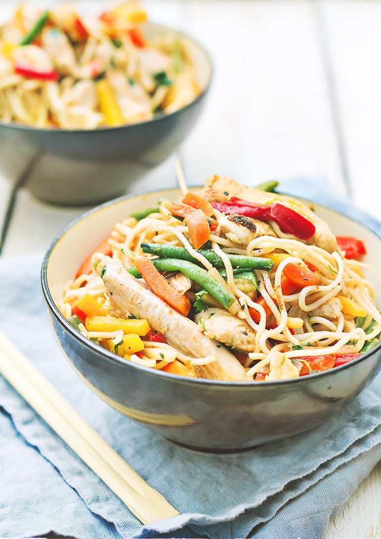 makaron chow mein