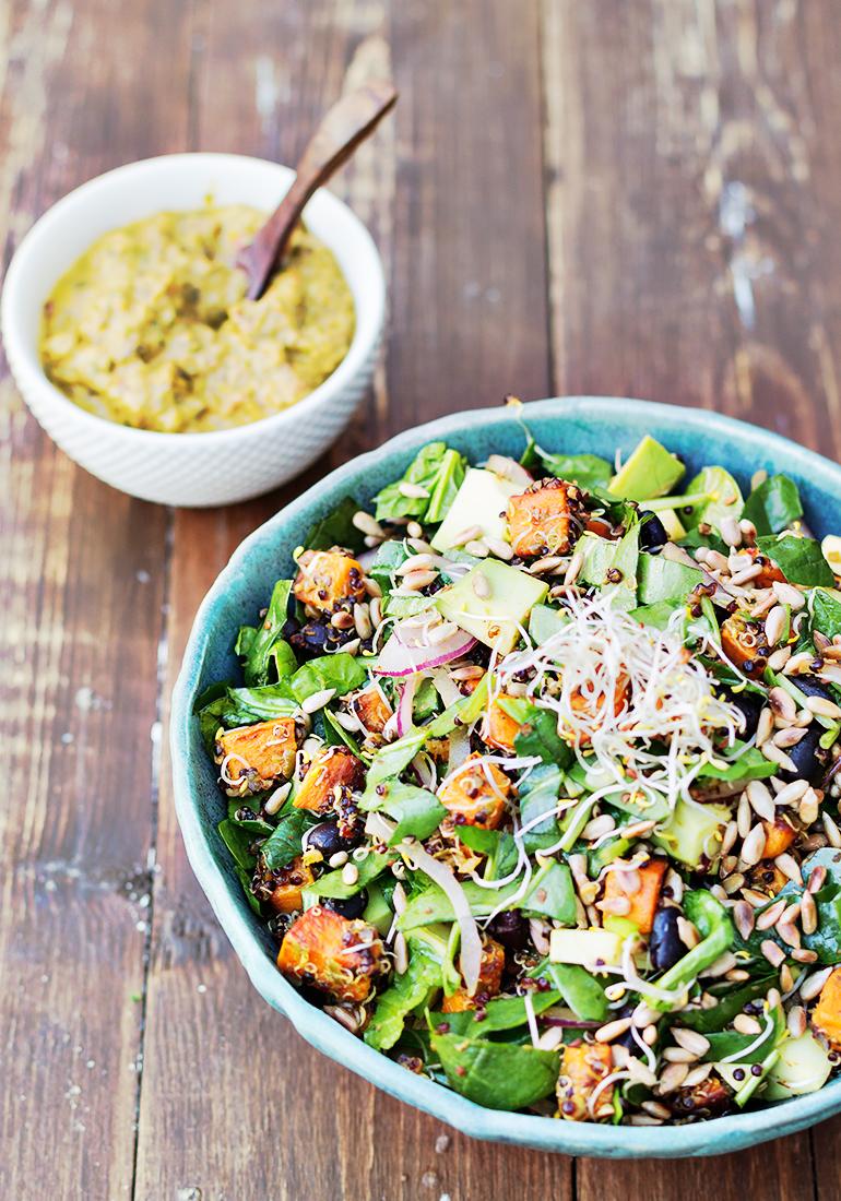 sałatka z quinoa batata i fasoli