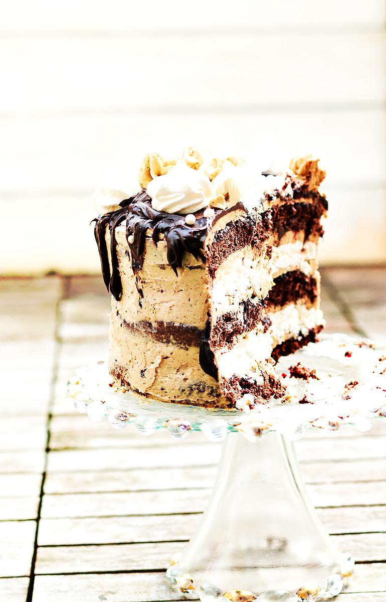 torcik czekoladowo bezowy