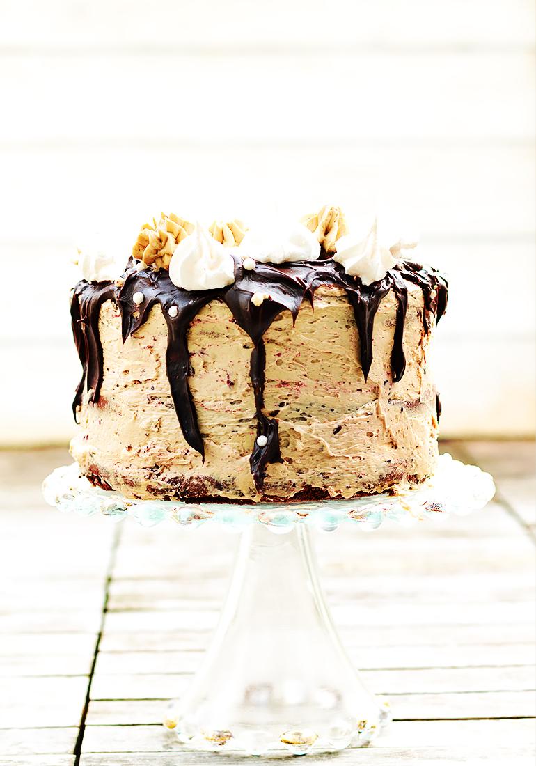 tort czekoladowo bezowy