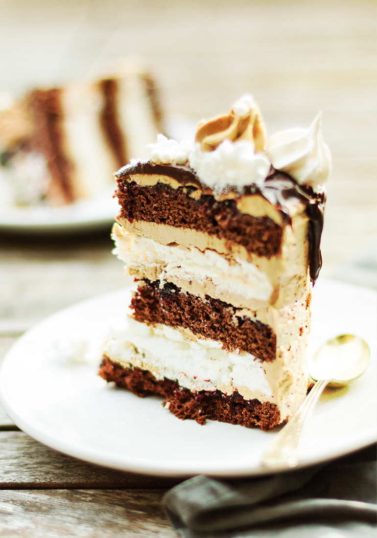 tort czekoladowy z beza