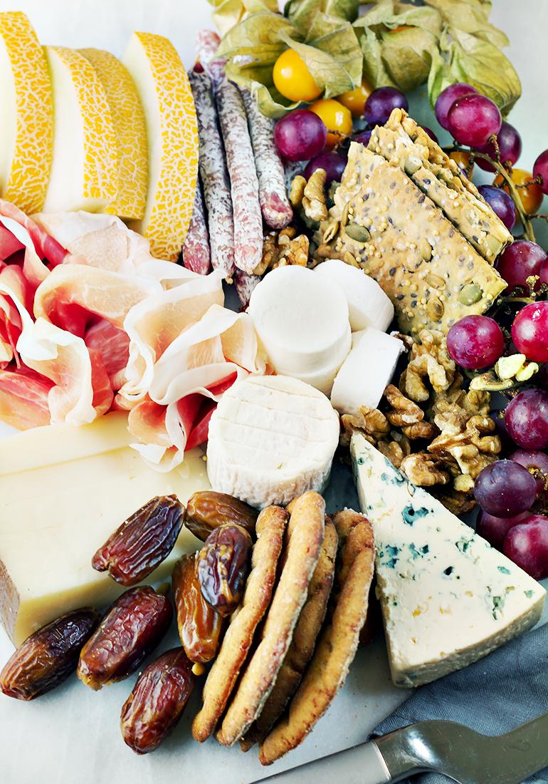 deserowy talerz serów