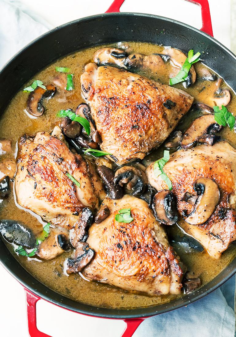 rozmarynowy kurczak z pieczarkami