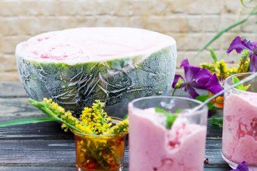 lody arbuzowe z malinami i jogurtem