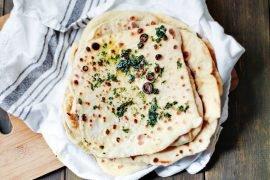 przepis na naan z masłem ziołowym