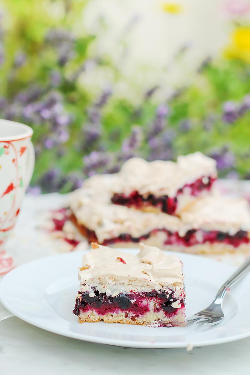 ciasto z owocami porzeczkowe