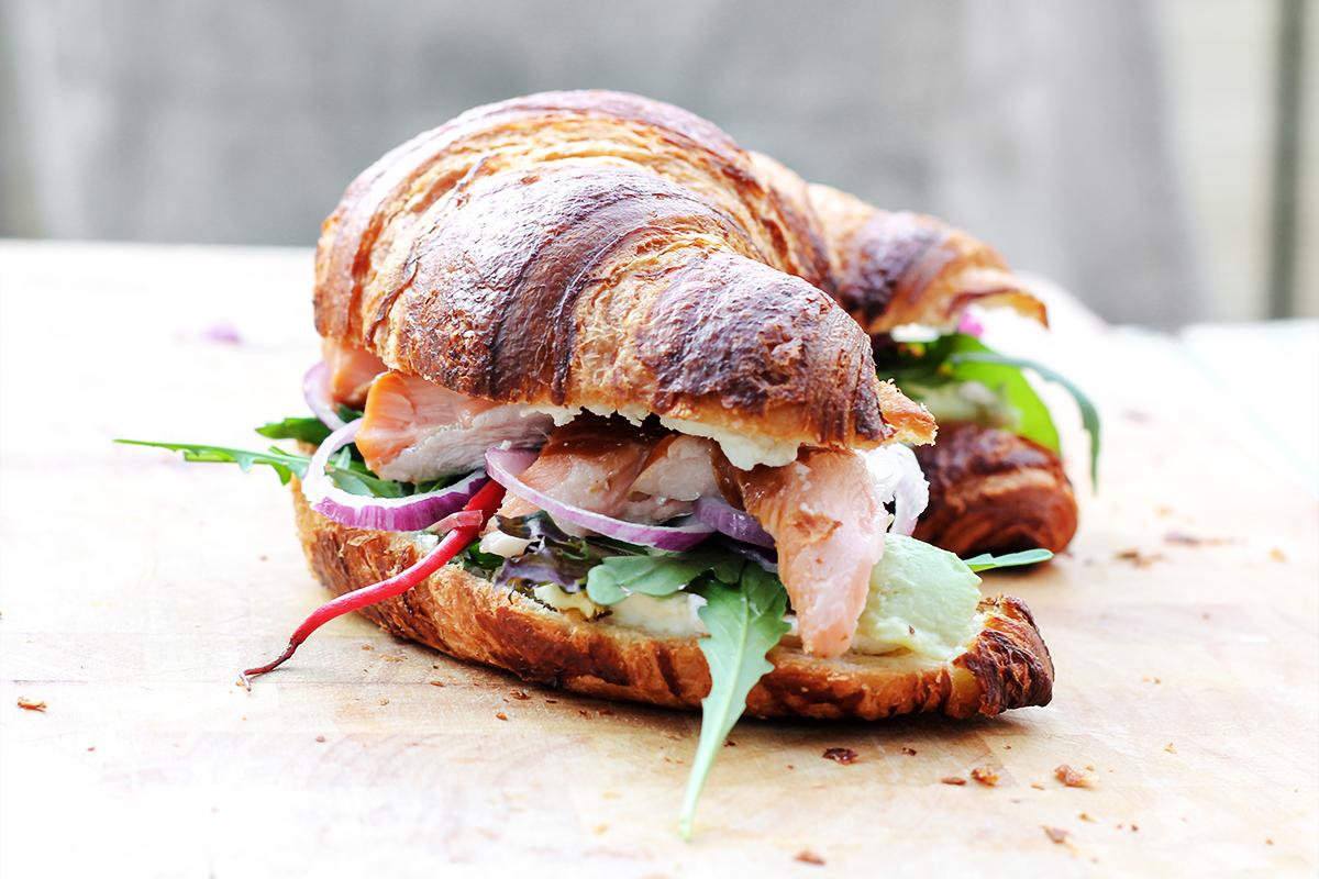 kanapki croissants łosoś philadelphia przepis codojedzenia