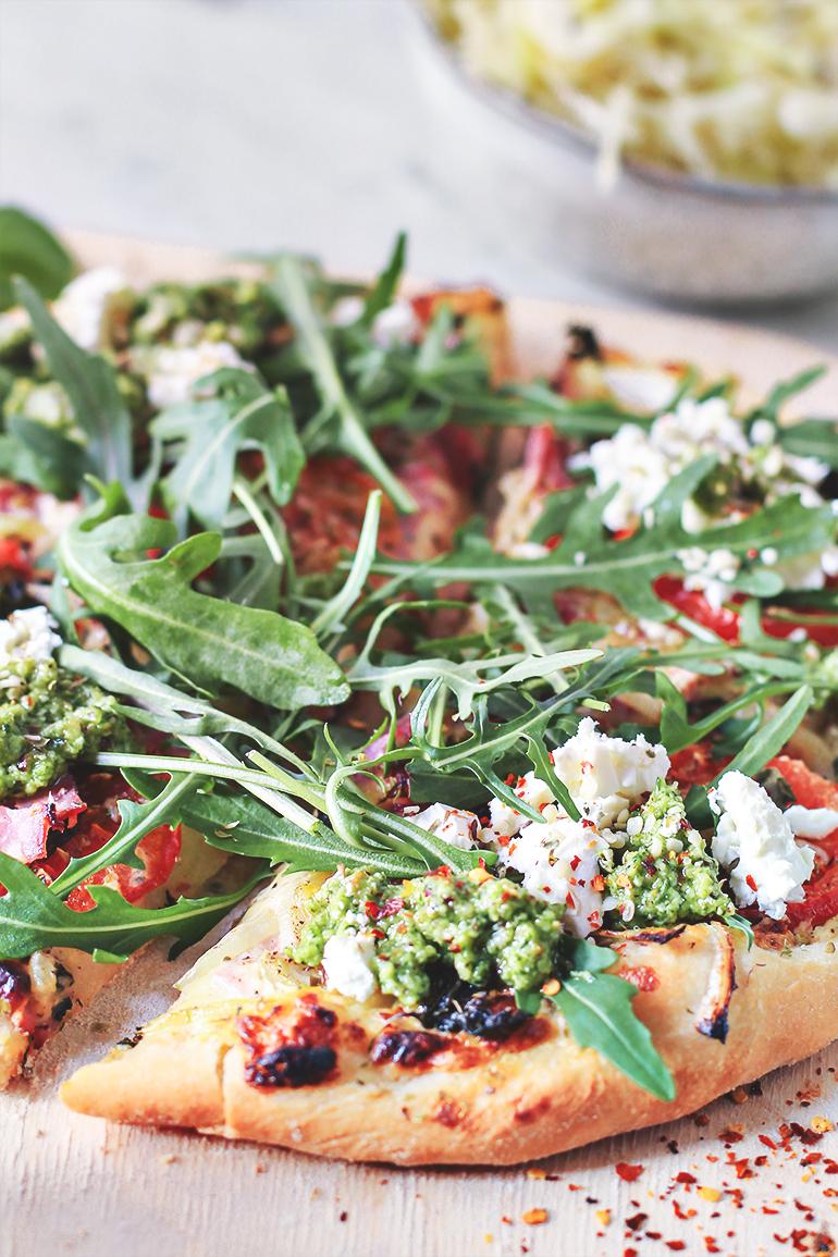 pizza bianco przepis pesto feta blog codojedzenia