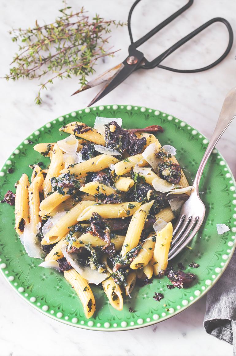 makaron z grzybami tani obiad przepis codojedzenia