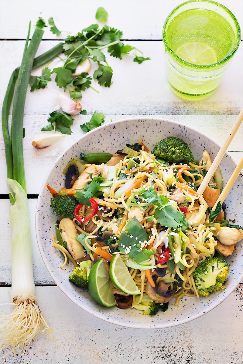 obiad_noodles_chinszczyzna_codojedzenia_blogkulinarny